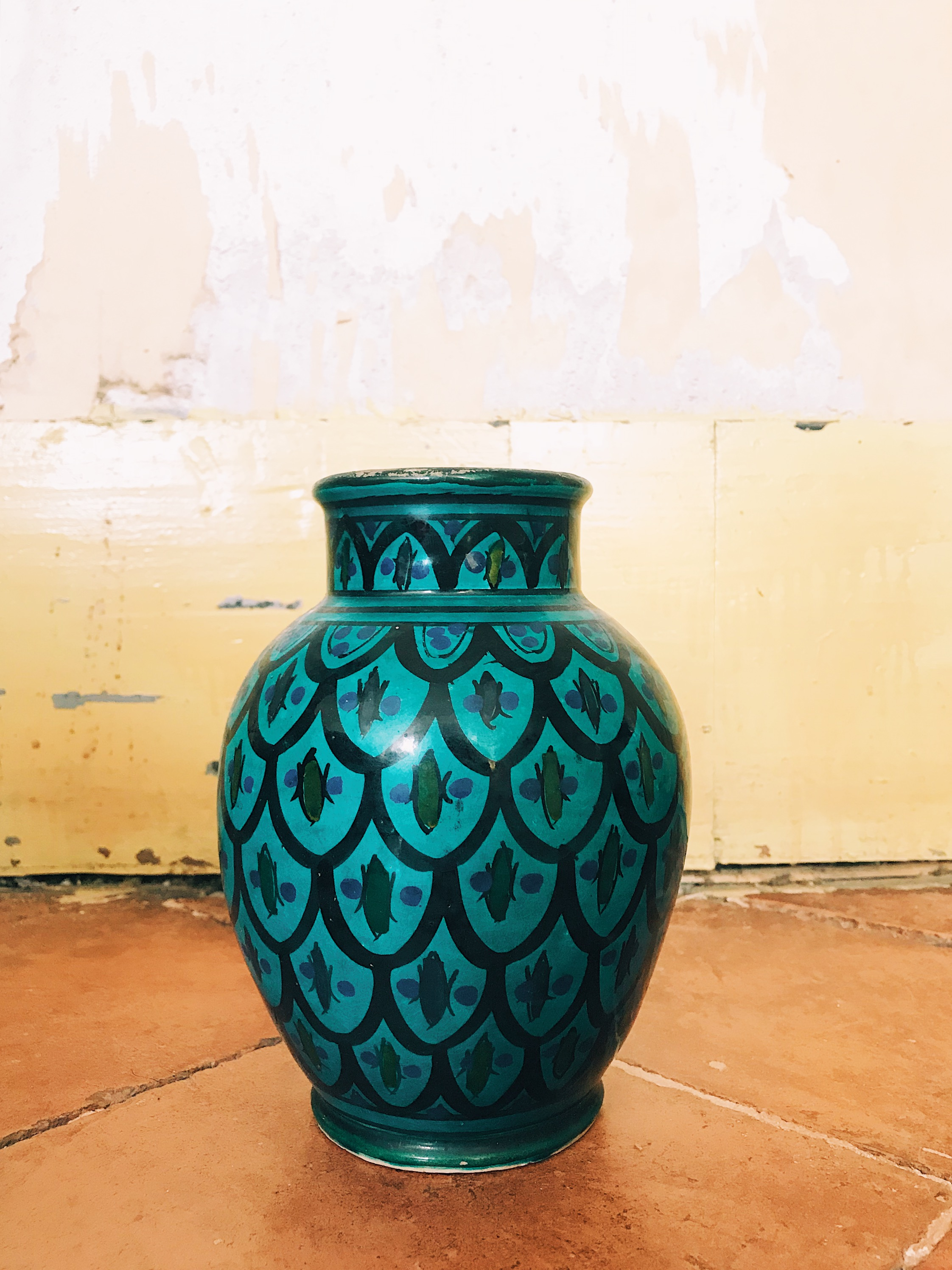 A handsome turquoise hand-painted jar – picked up at a local Vide Grenier for 8 euros!