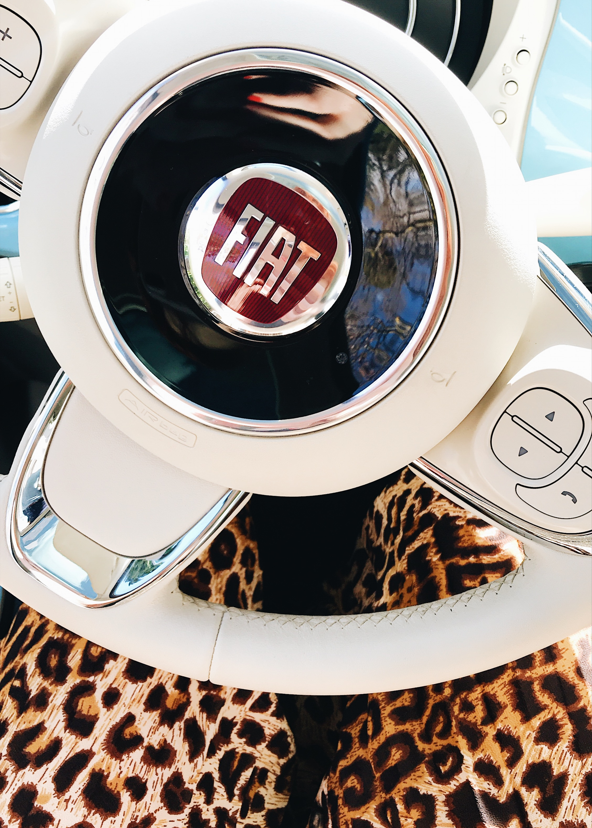Lucie Loves Fiat 500 car roadtrip