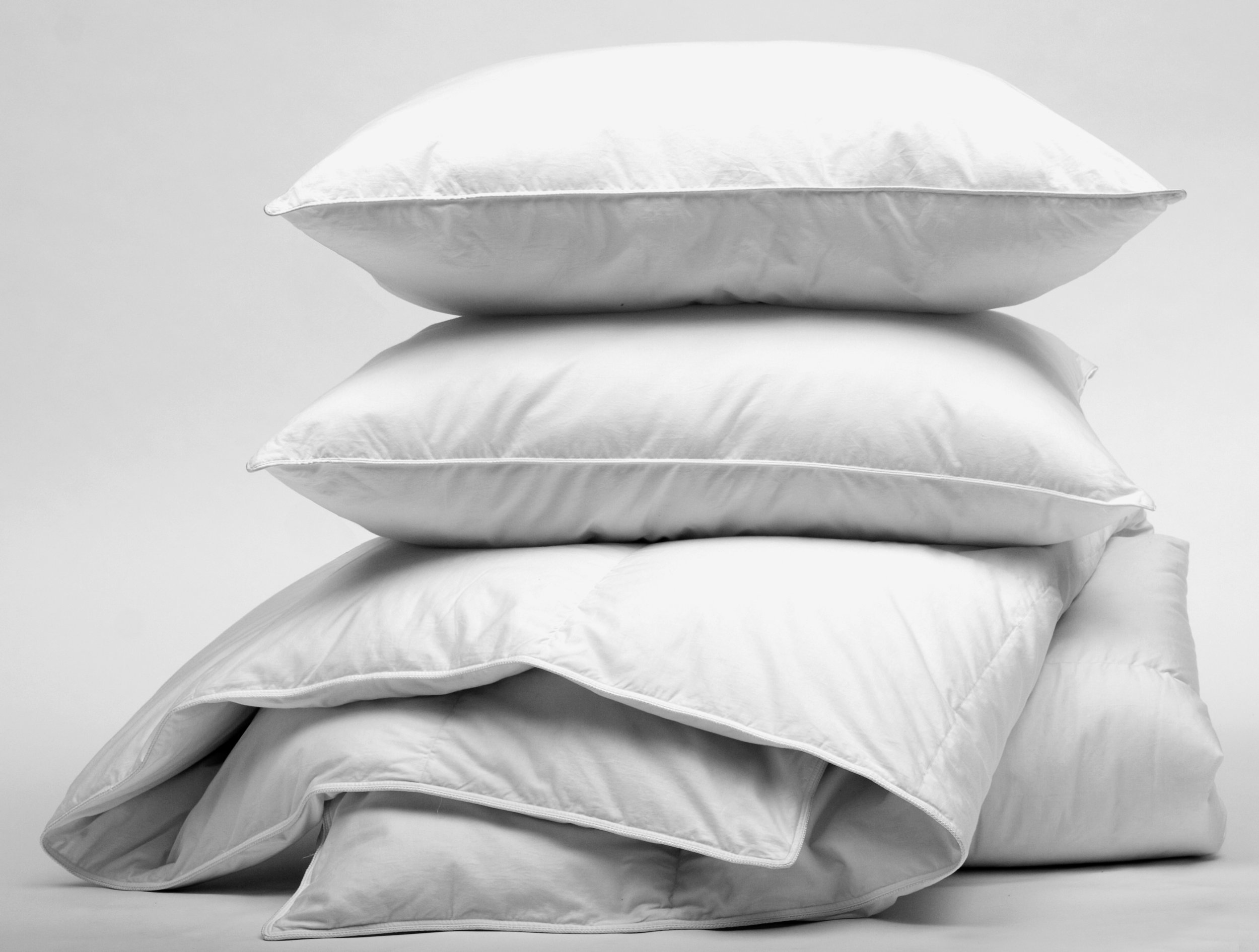 152966581_pillows_duvets.jpg