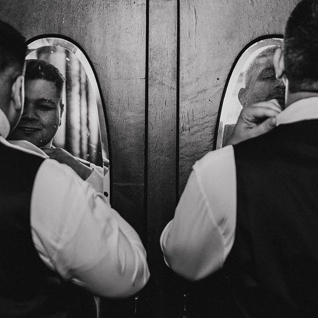Grooms that get ready together, stay together ••• •• • #rachelveltriphotography#happypride#pridemonth#love#lousianaphotographer#destinationweddingphotographer#destinationwedding#coloradotravelphotographer #nolaweddingphotographer#junebugweddings#greenweddingshoes#rockymtnbride#wanderingweddings#authenticlovemag#muchlove_ig#lookslikefilm#lookslikefilmweddings