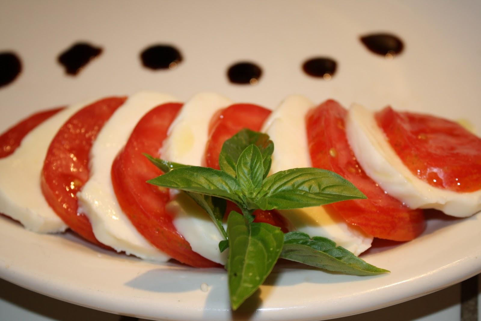tomatoes 008.JPG