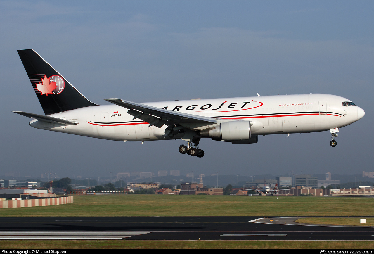 cargojet-airways-boeing-767.jpg