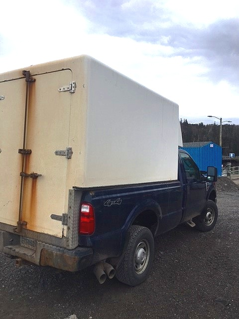2010 Ford 350 Super 4x4 and insulated box 2.jpg