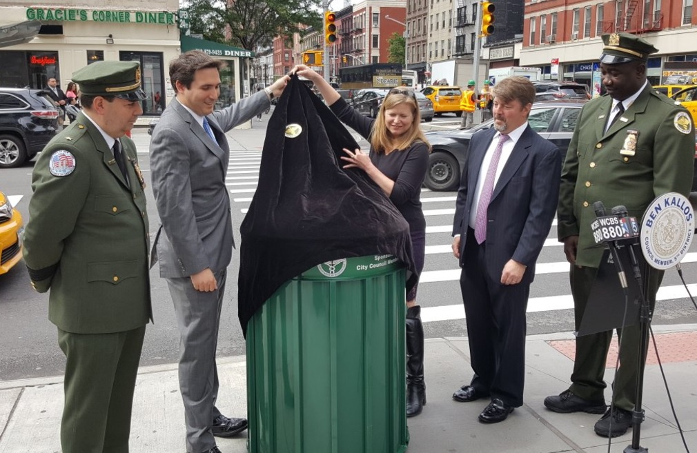 May 26th, 2016. From Left: Stephen Calder (Deputy Chief DSNY), Council Member Ben Kallos, Sanitation Commissioner Kathryn Garcia, Andrew Fine (East 86th Street Association), Ricky Cyrus (DSNY District 8 Chief).