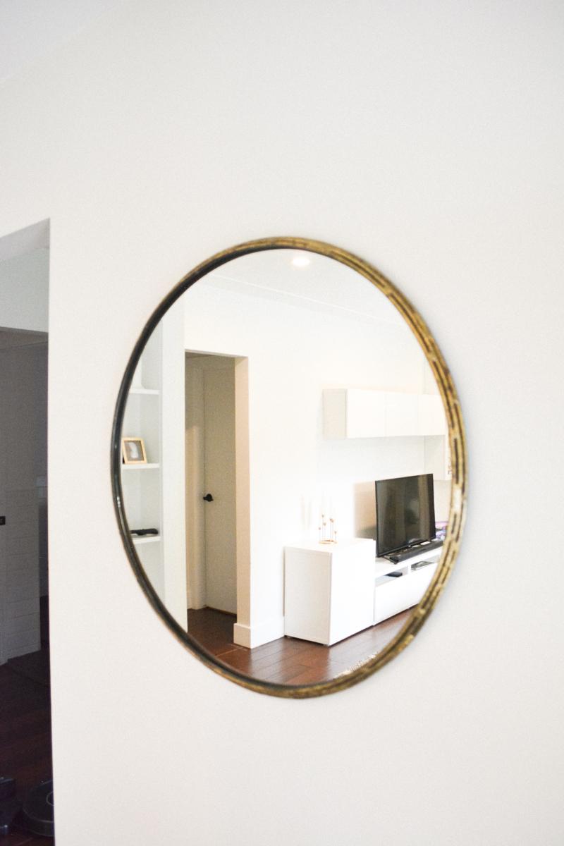 round-gold-mirror.jpg
