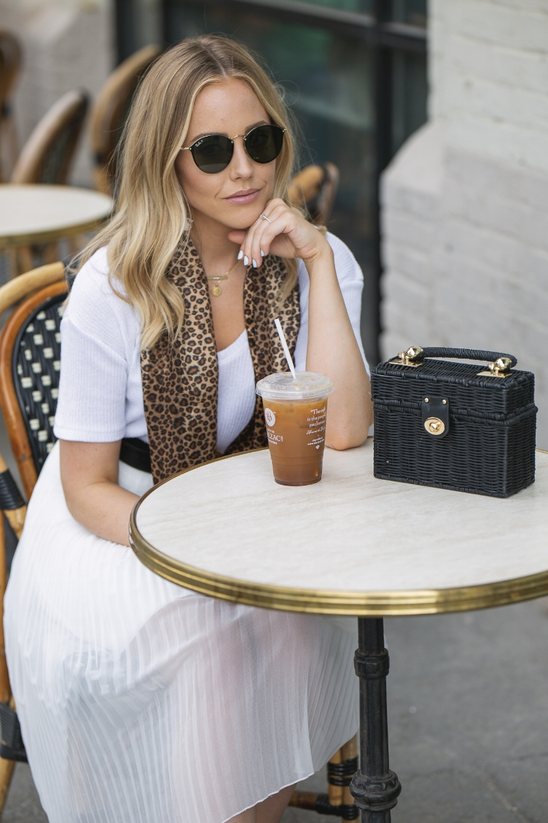 canadian-blogger-drinking-coffee.jpg