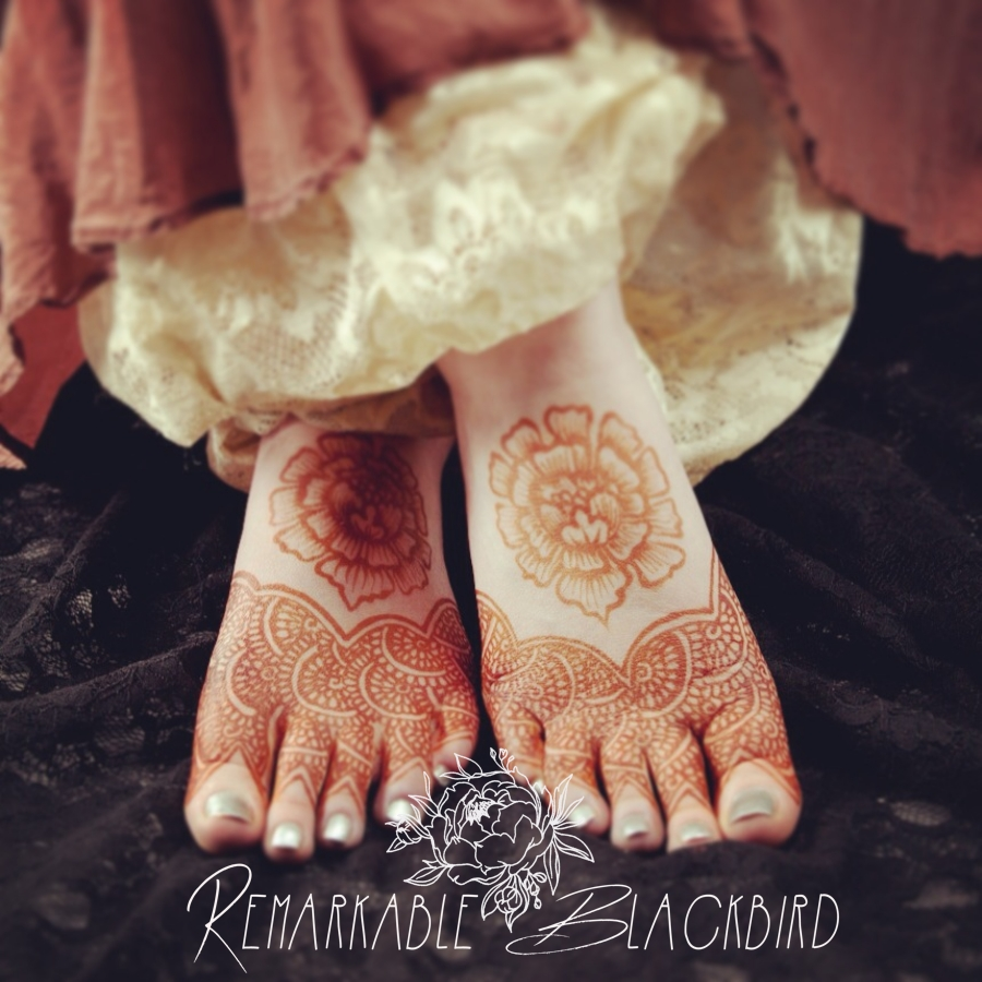 Romantic floral slipper henna