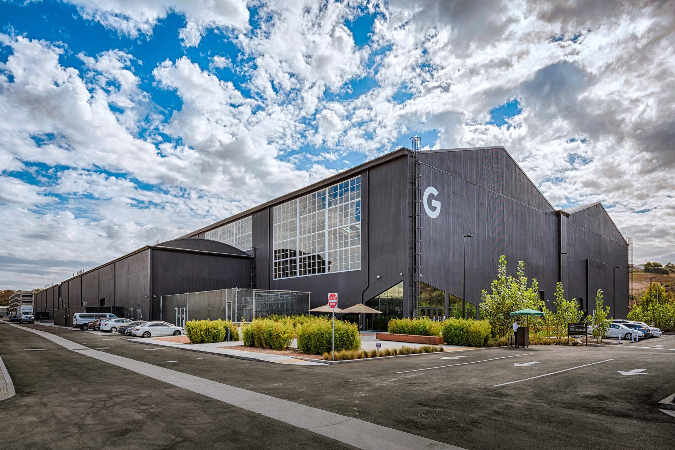 google-spruce-goose-hangar-architecture-zgf-los-angeles-california-usa_dezeen_2364_col_11.jpg