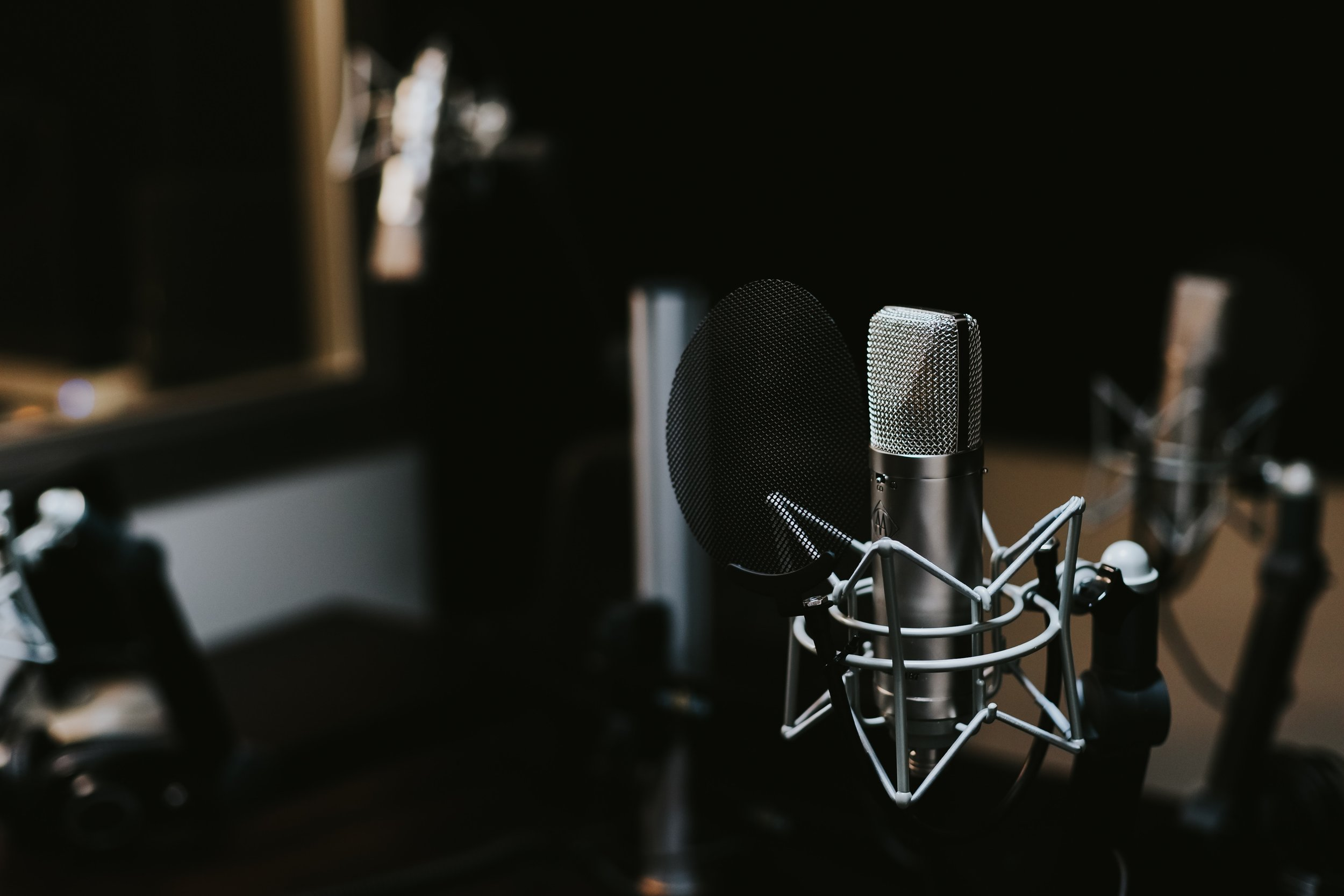 """Condenser microphones are traditionally associated with """"studio"""" microphones, and are often eponymous with high-end sound."""