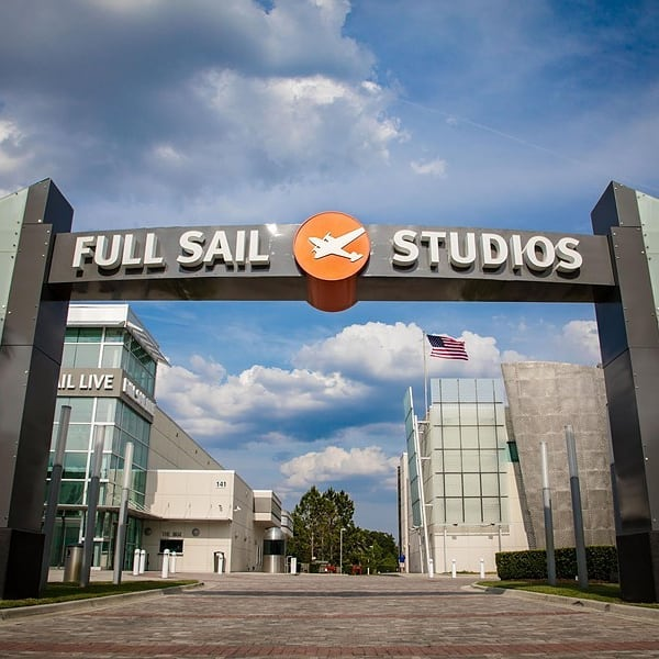I'm excited to announce that I will be going to @FullSail #University starting in May to pursue my Bachelor's degree in Music Production!!! 👨🏾‍🏫 🎼 ▪▪▪ #Mistah #BigBusiness #Rap #HipHop #Trap #EDM #Pop #Rock #Music #Musician #School #Knowledge #Power #Growth #Chase #Dreams #Passion #Desire #College #Rapper #Emcee #DJ #Producer #Engineer
