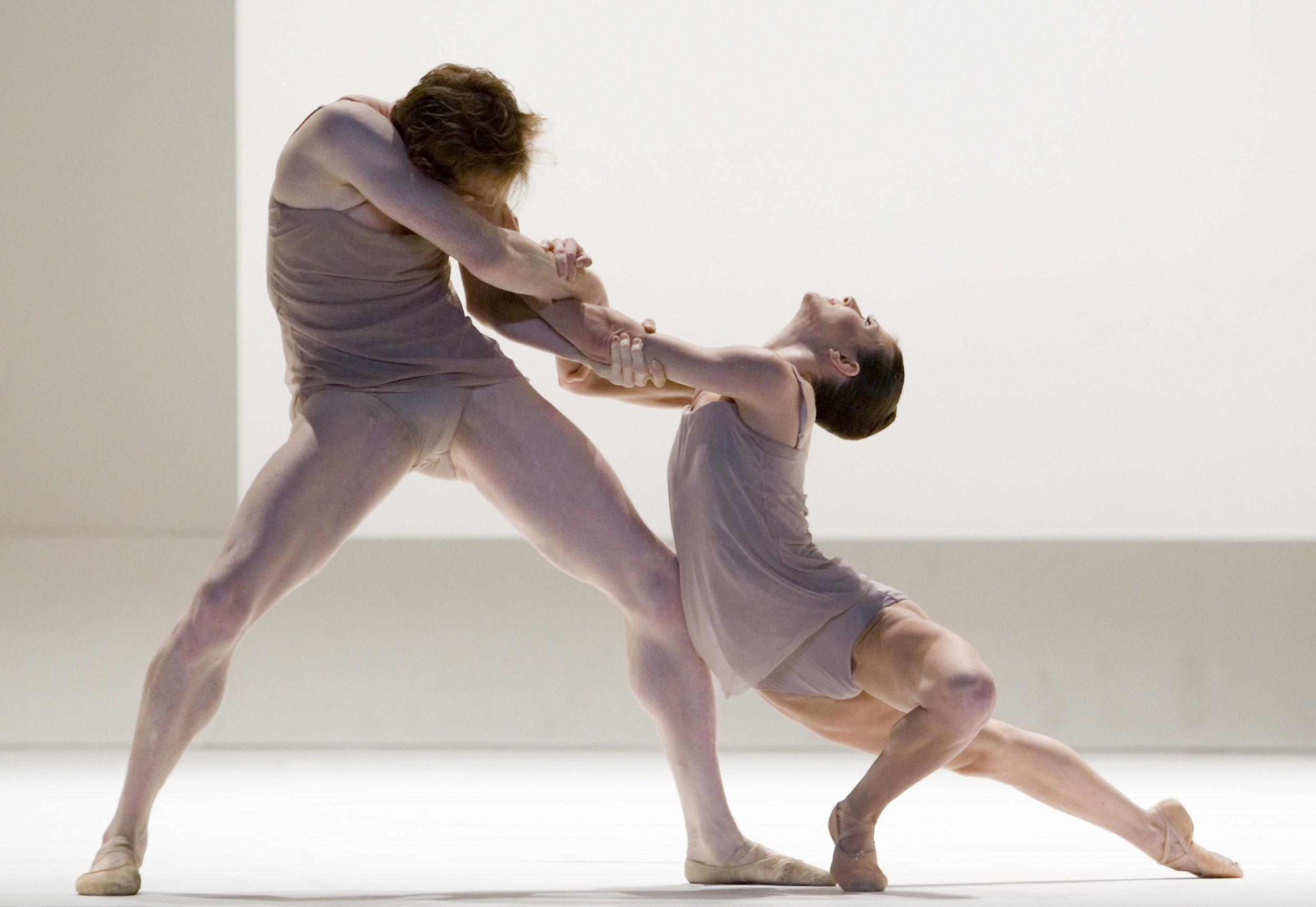 Ed Watson and Mara Galeazzi (Royal Ballet)in Wayne McGregor's 'Chroma'