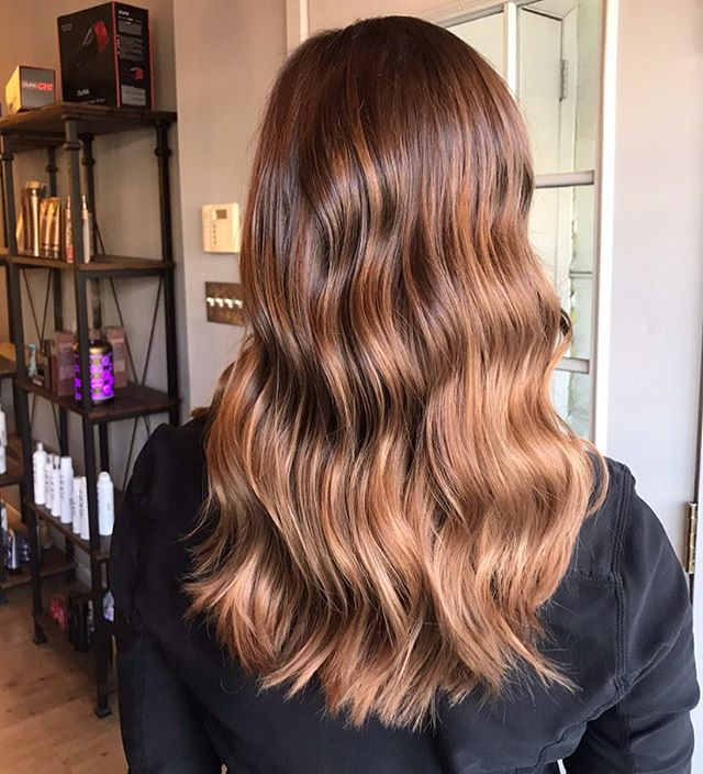 check out this dimensional color using free hand painting 🎨💫 • by @_beautybydevyn • Call to schedule an appointment! 2156276337 💇🏼♀️ #balayage #oldcity #summerhair #hairgoals