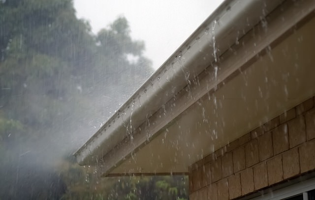 Commercial-gutter-cleaning-northamptonshire.jpg