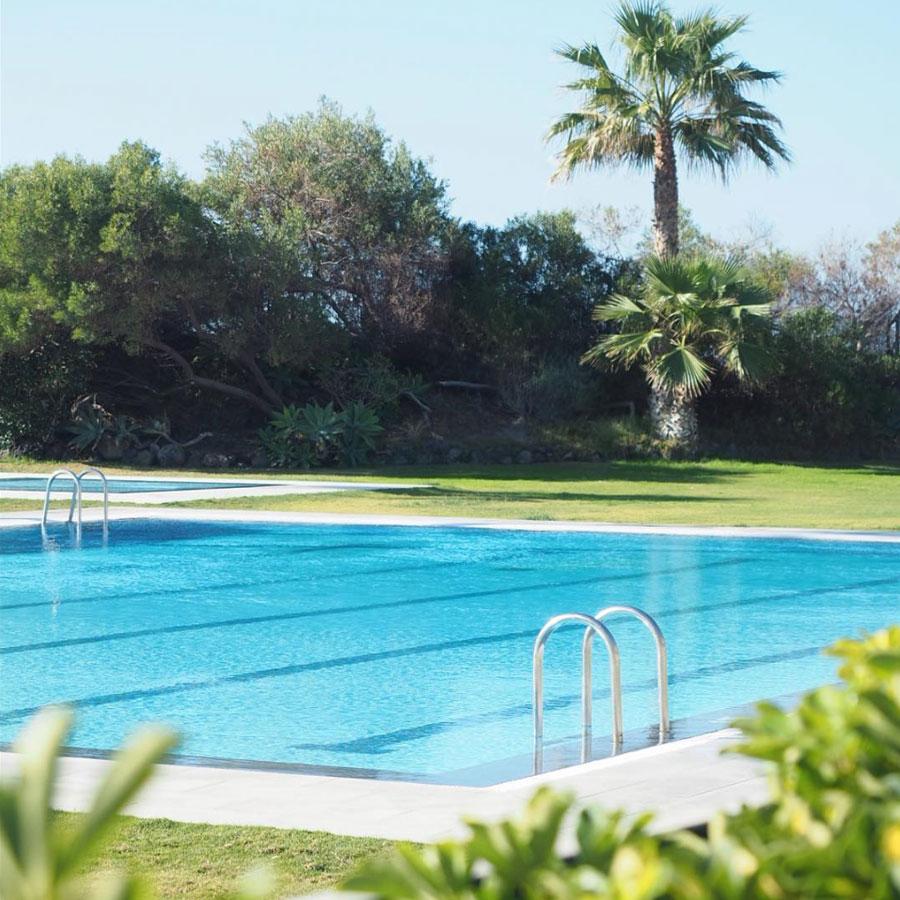pool_11HolidayHomes_tenerife.jpg