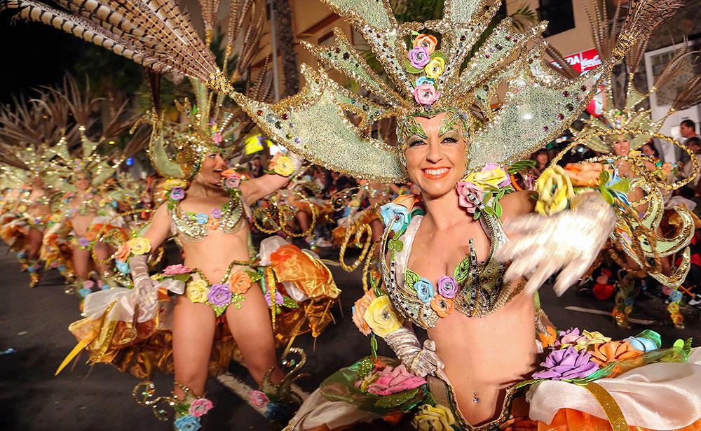 cabalgata_anunciadora_carnaval_santa_cruz_de_tenerife.jpg