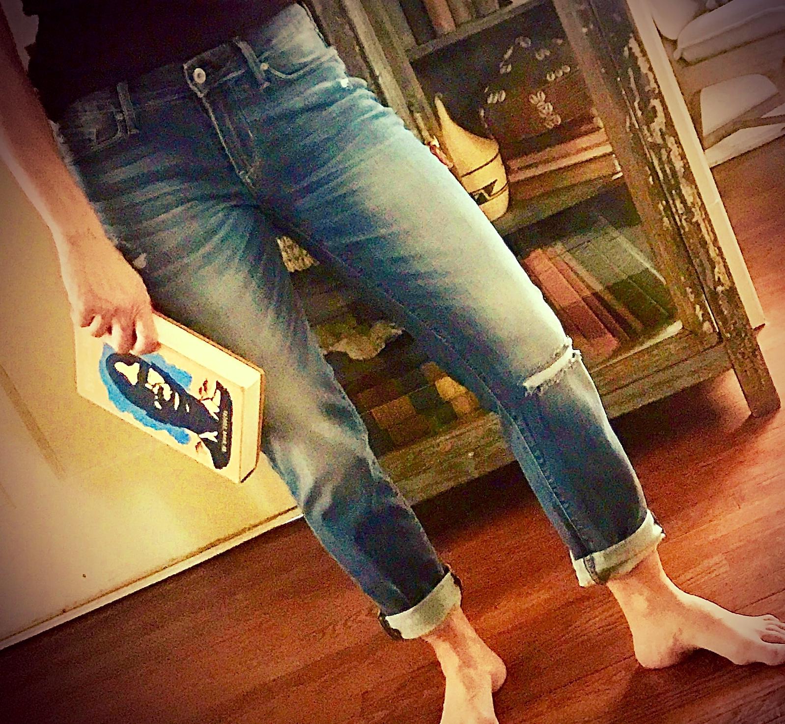 Levis boyfriend jeans love!  www.cardiocoffeeandkale.com