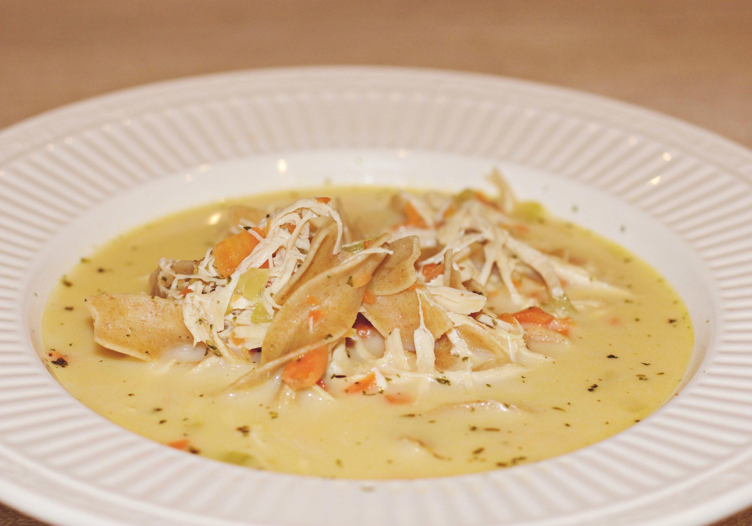 Clean Homestyle Chicken Noodle Soup cardiocoffeandkale.com