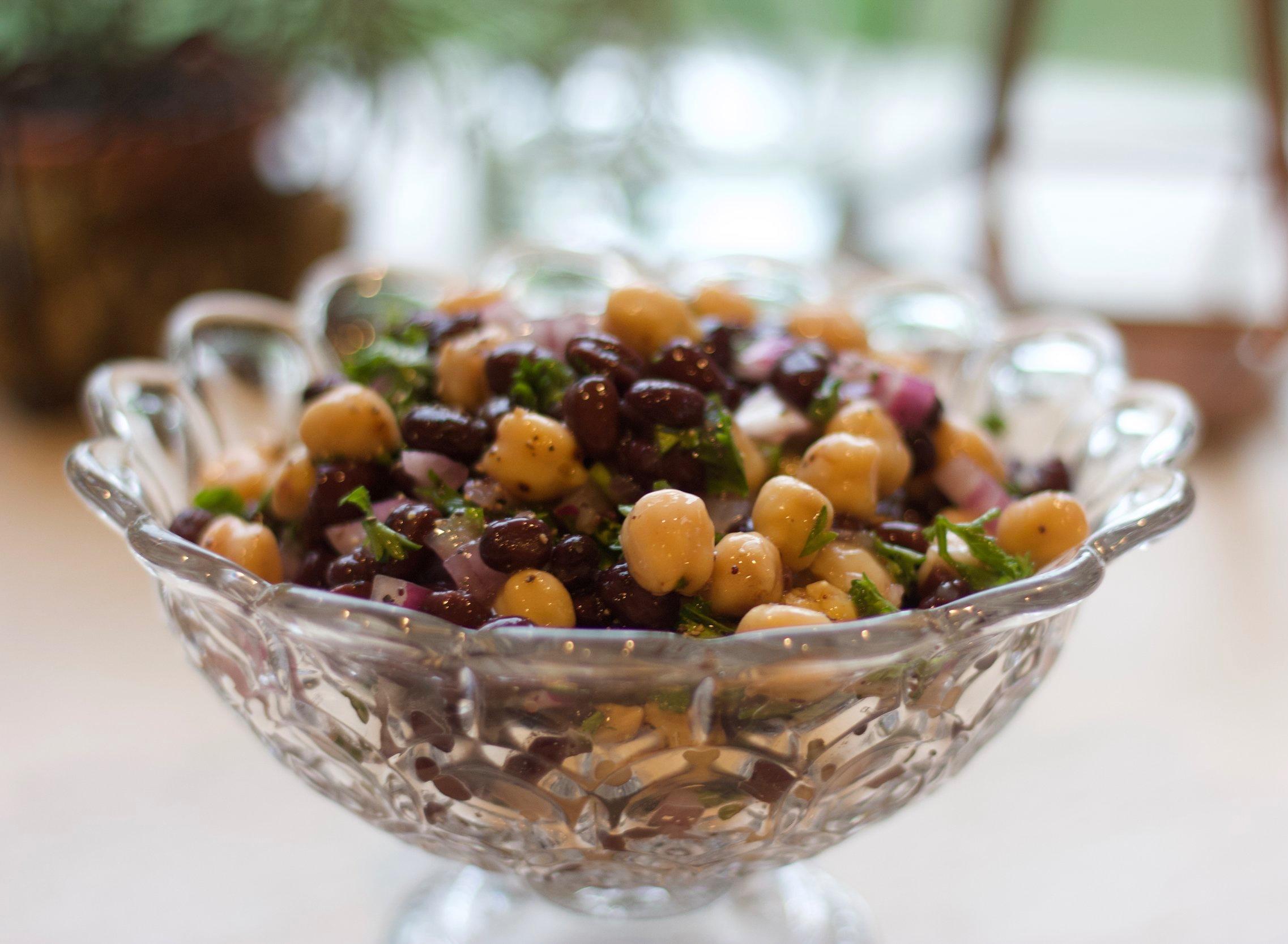 easy+summer+bean+salad.+cardiocoffeeandkale.jpg