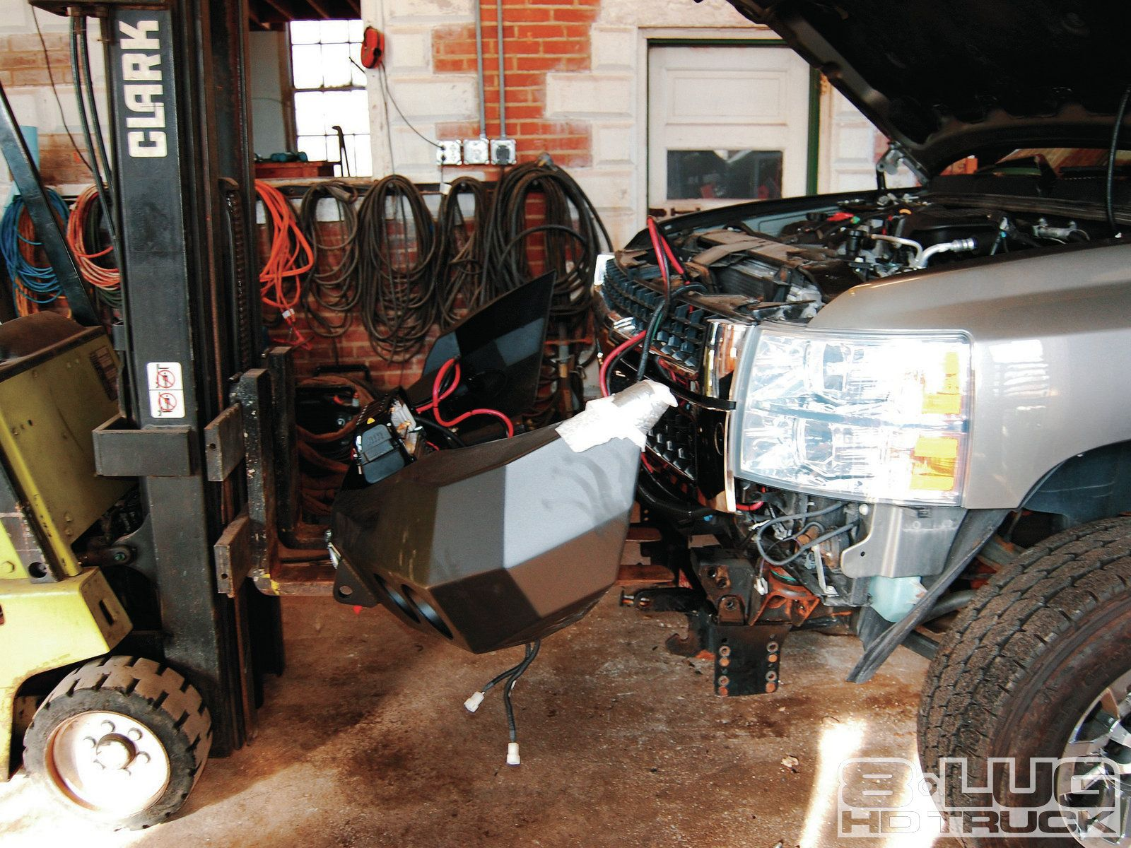 1210-8l-34+winch-time-ultimate-tow-and-work-truck-upgrades+front-bumper-and-winch.jpg