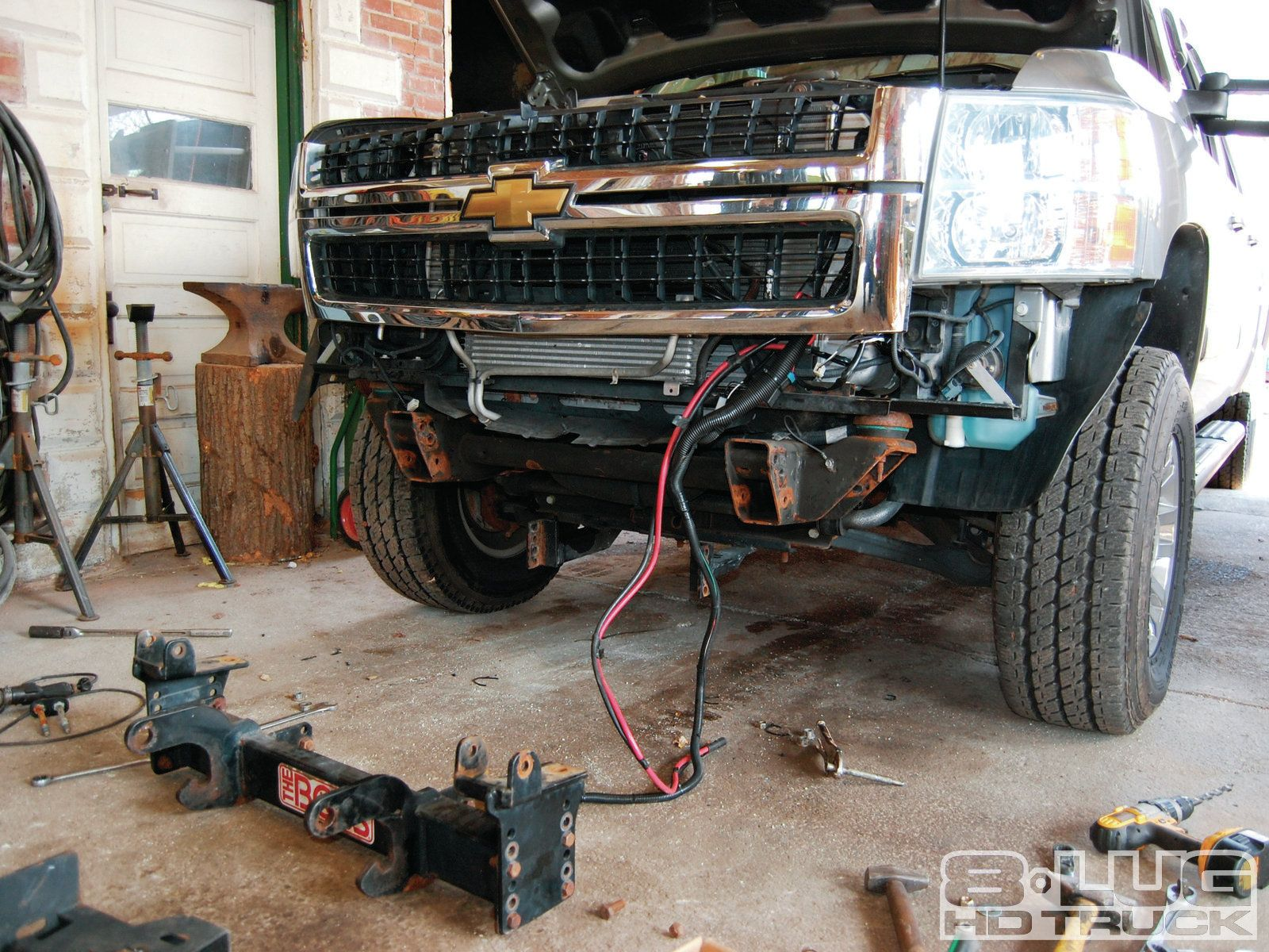 1210-8l-36+winch-time-ultimate-tow-and-work-truck-upgrades+new-plow-mounts.jpg