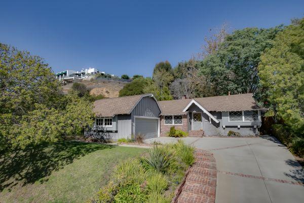 690 Via Santa Ynez | Pacific Palisades