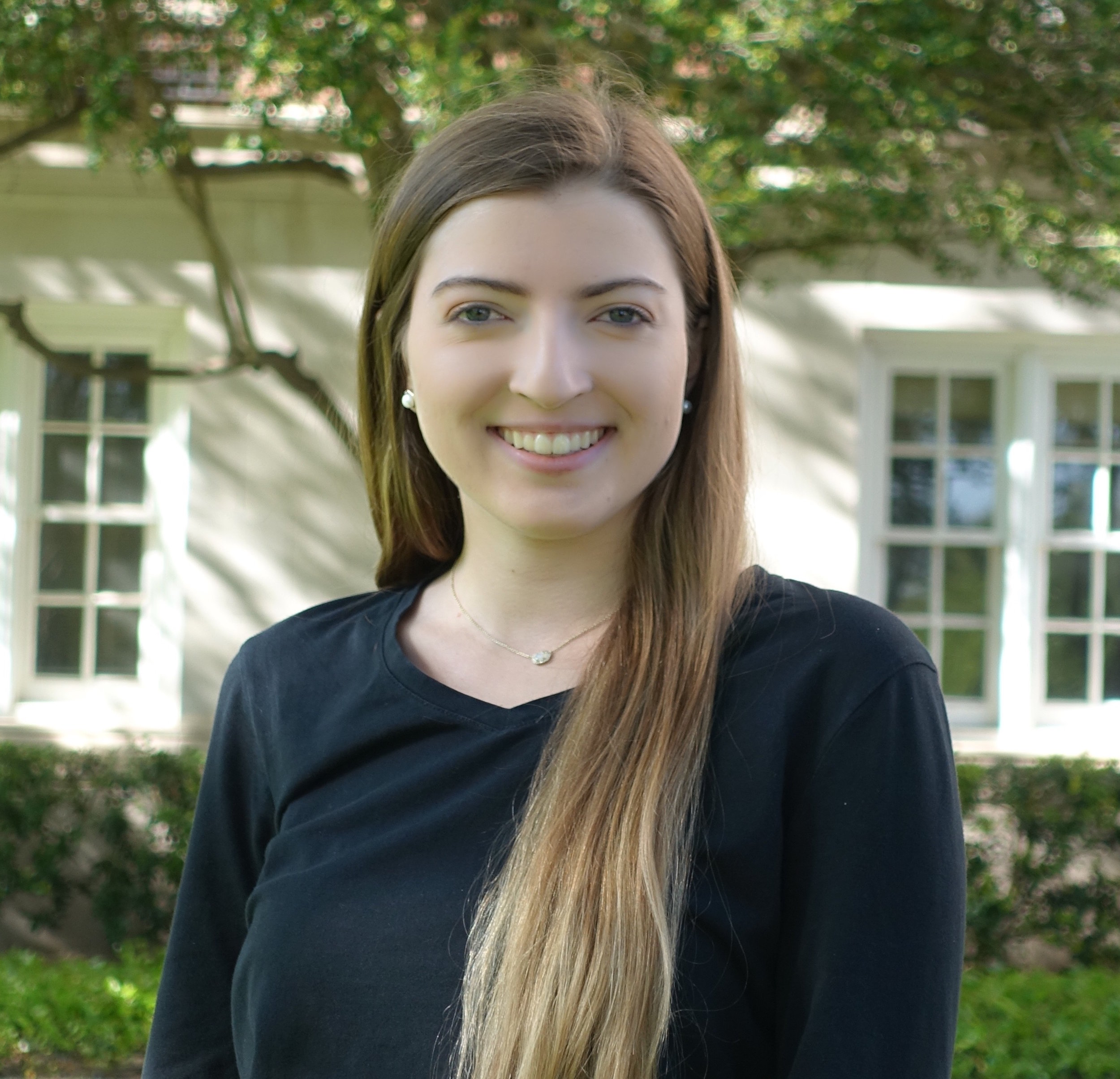 ISABELLE GIOVINAZZO  VISUAL MARKETING CHAIR
