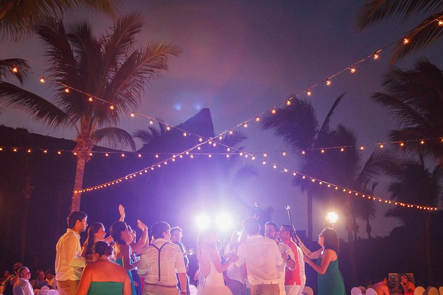 luces-playa-barcelo.jpg