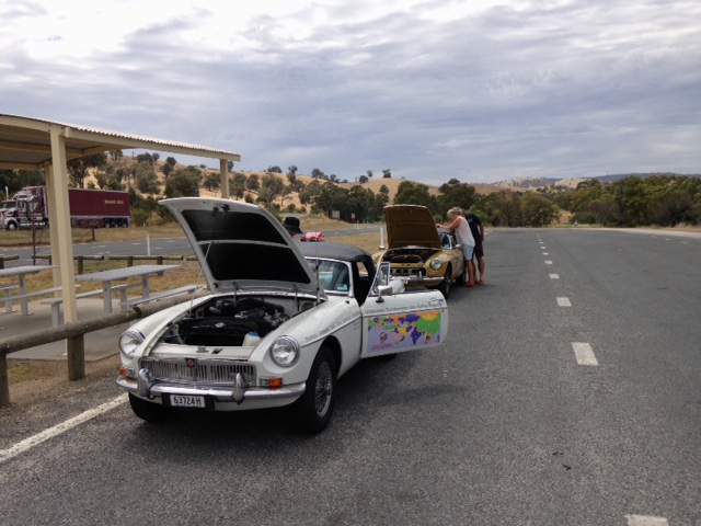 Lunch stop at Little Billabong and a breather for the cars.