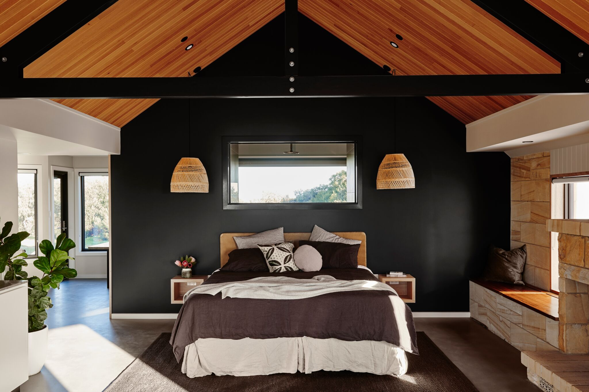 Stunning views from your bed at Lon Retreat