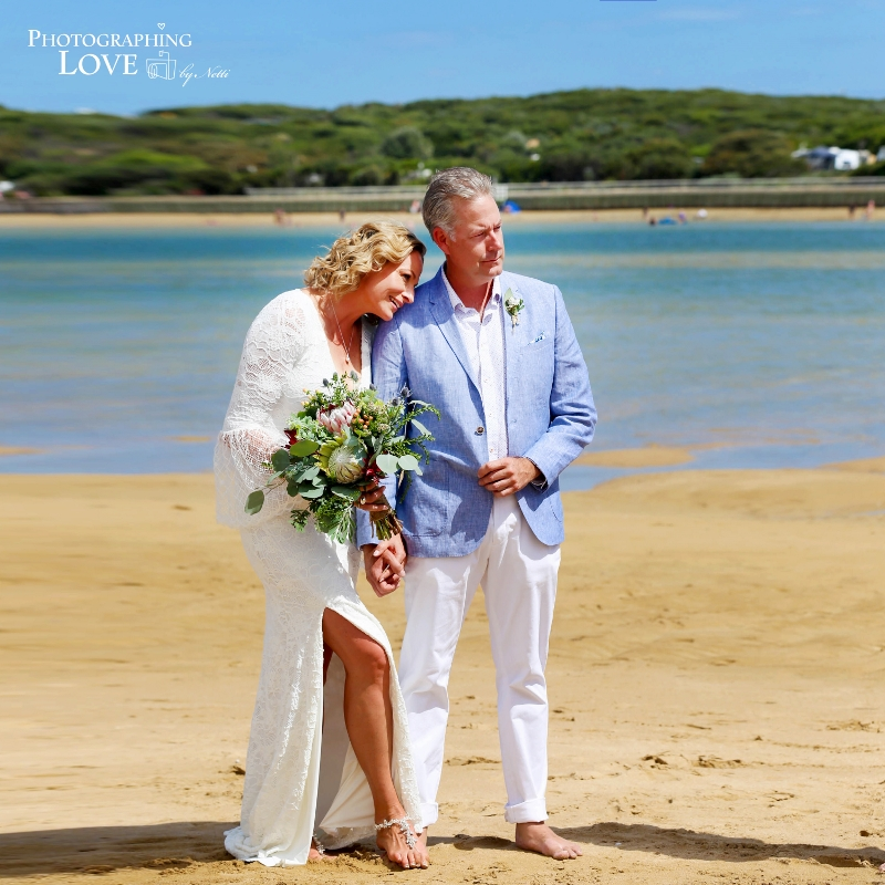 Ange & Brent married on Raffs Beach, Ocean Grove.   Photography: Netti from Photographing Love