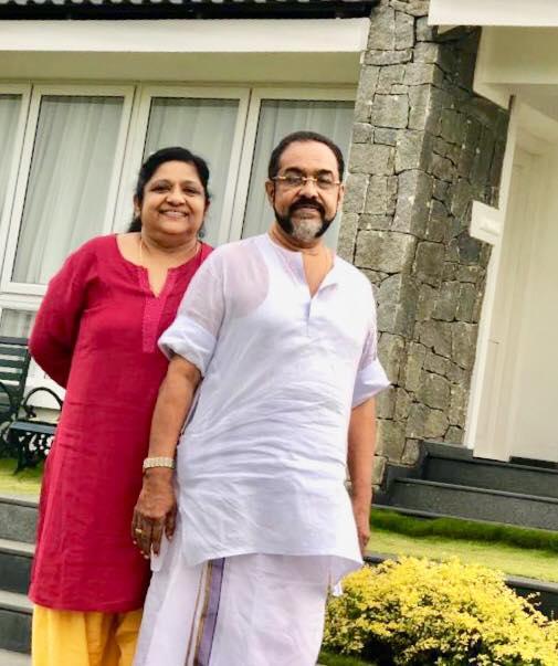 Anamkottu Mathew Saji and His Wife Shirley.jpg