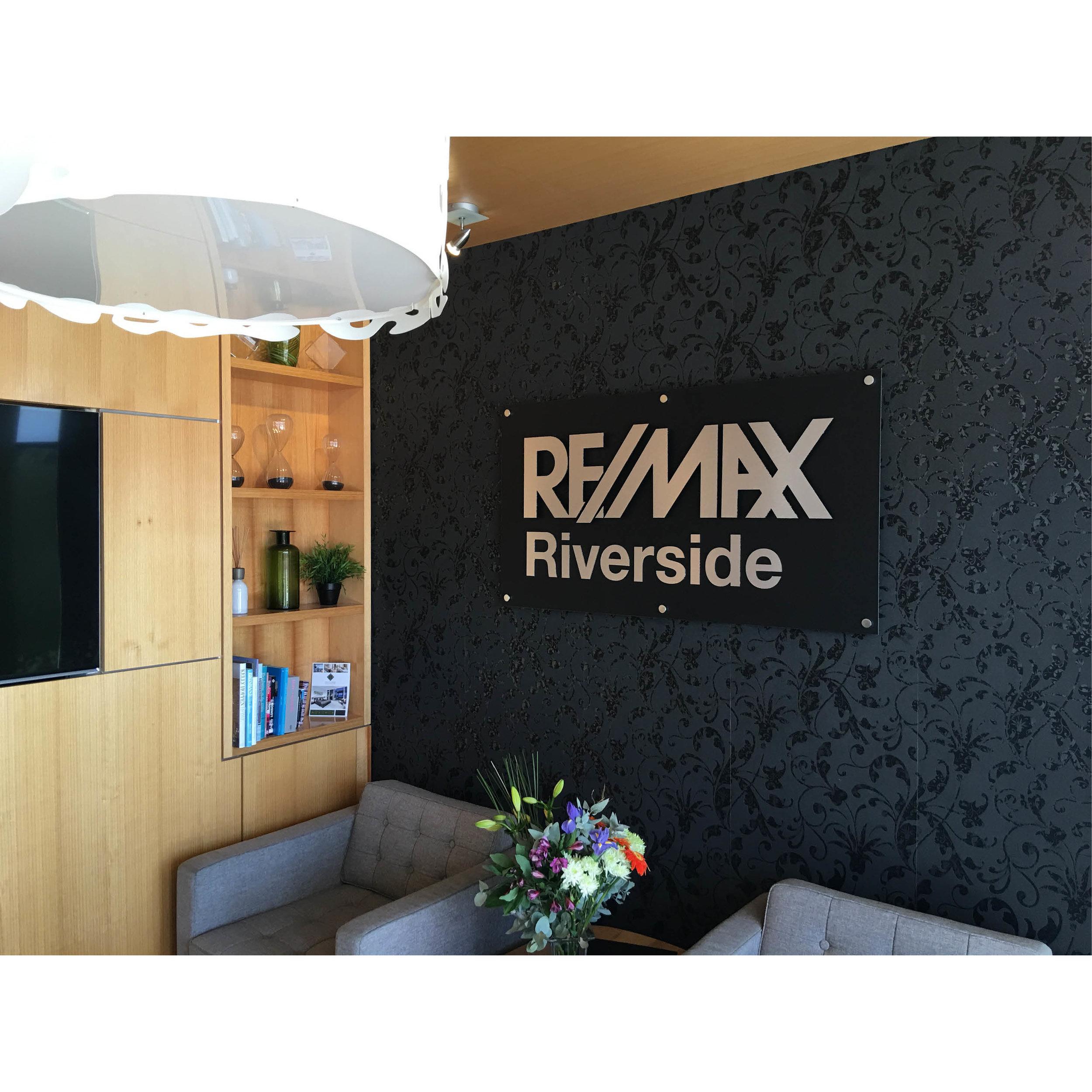Riverside - Behance 1712.jpg