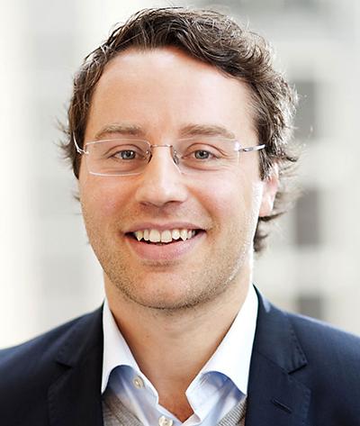 Martin Carlsson-Wall   Associate Professor och chef för Center for Sports and Business, Handelshögskolan I Stockholm    martin.carlsson-wall@hhs.se