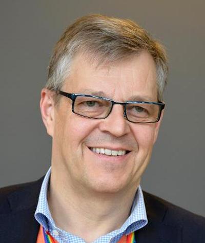 Hans   von Uthmann   S  tyrelseledamot SOK och GIH   Hans var under sju år (2009-2016) ordförande i Svenska Basketbollförbundet, och har haft ideella uppdrag inom bl.a. fotboll, stiftelsen Fryshuset och RFs referensgrupper för jämställdhet, idrotts-politik och bolagsutredningen.  Såväl inom idrotten som i sina roller i näringslivet engagerar sig Hans i jämställdhets- och integrationsfrågor.
