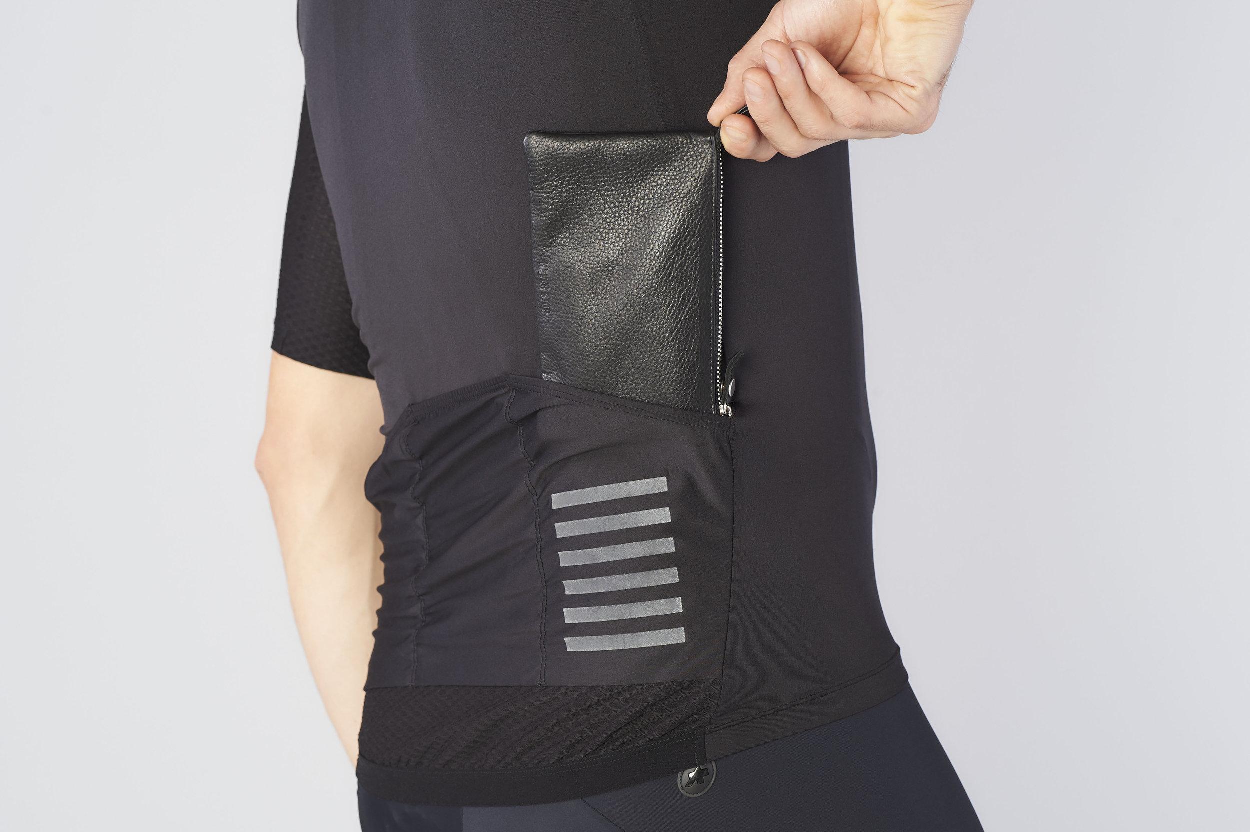 #gth pouch big1.jpg