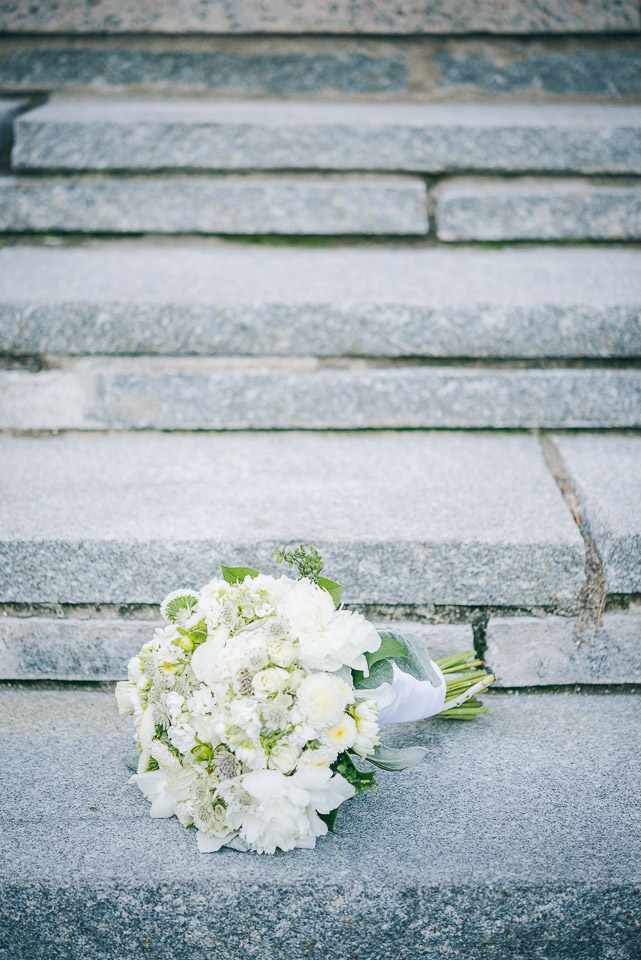 NH Wedding Photographer: bride's bouquet on rocks