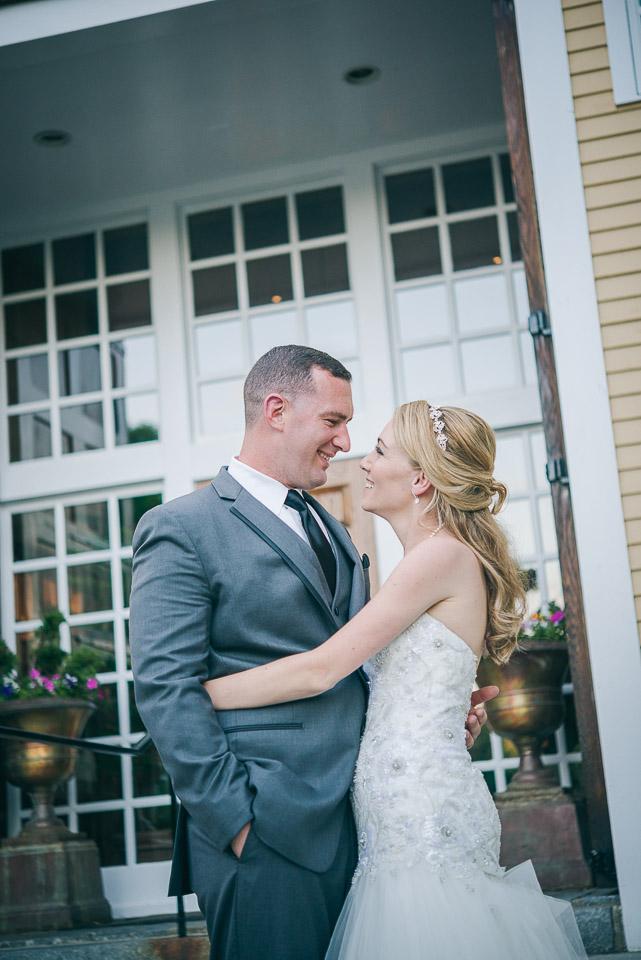 NH Wedding Photographer: newlyweds