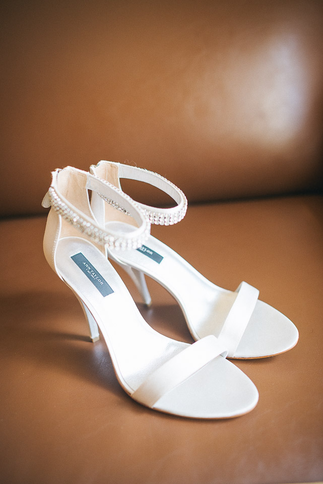 NH Wedding Photographer: brides shoes