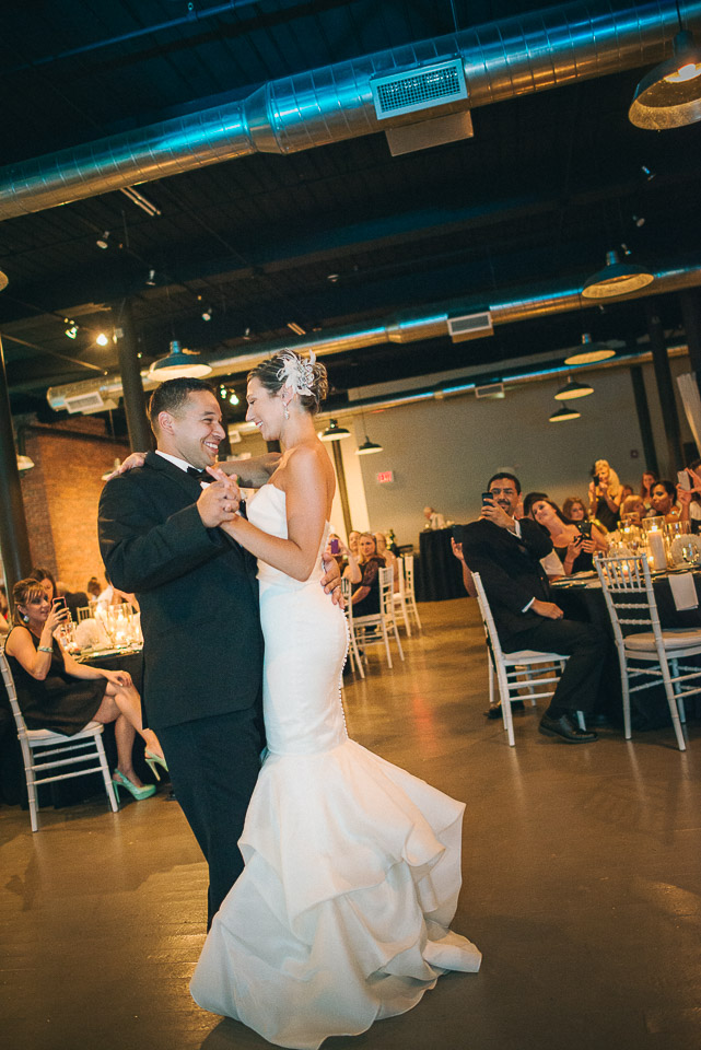 NH Wedding Photographer: first dance with couple