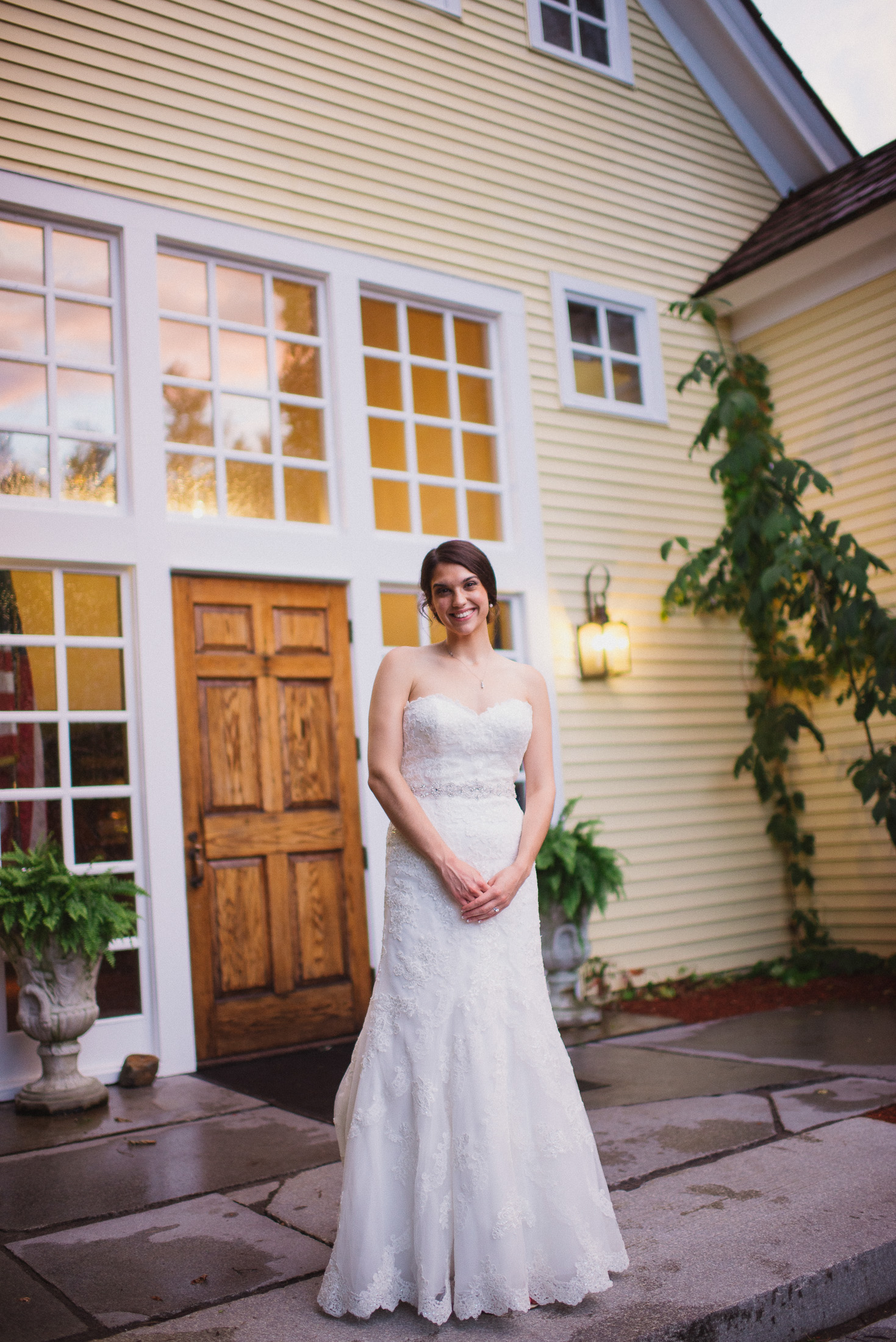 NH Wedding Photographer: bride in front of BVI