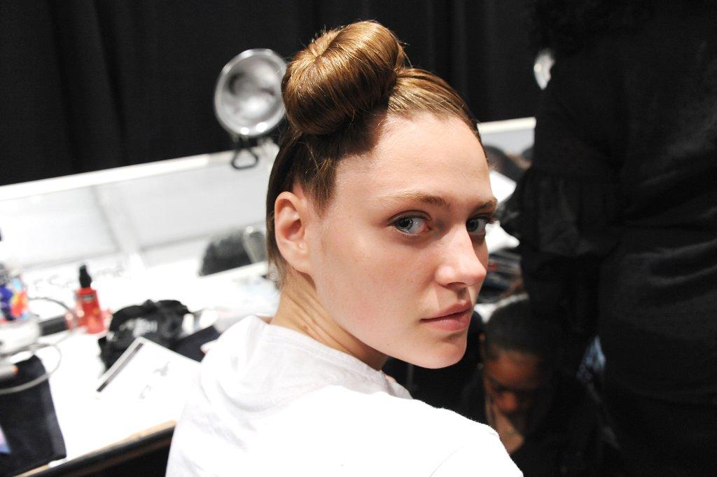 Cushnie Et Ochs: Hairline Kissing Top Knot