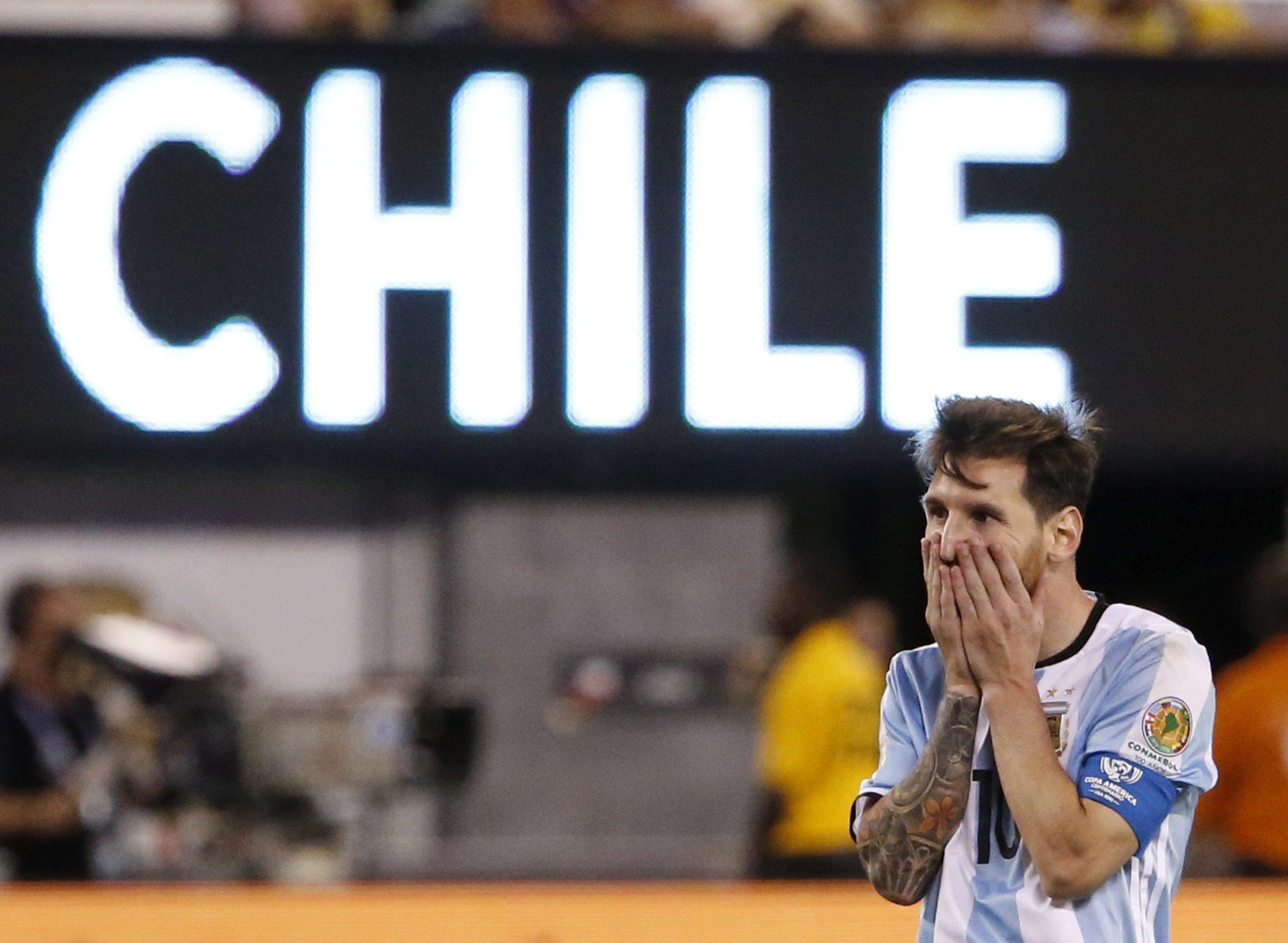 Lionel-Messi-Argentina-perdiendo-argentino_LNCIMA20160627_0075_1.jpg