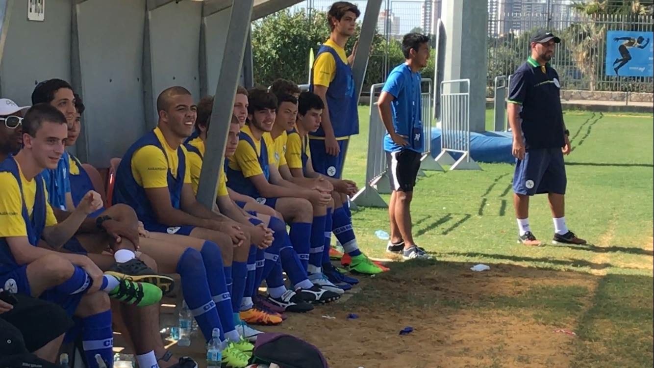 Ronald Lima is on the Brazilian bench. (Uri Levy/BabaGol).