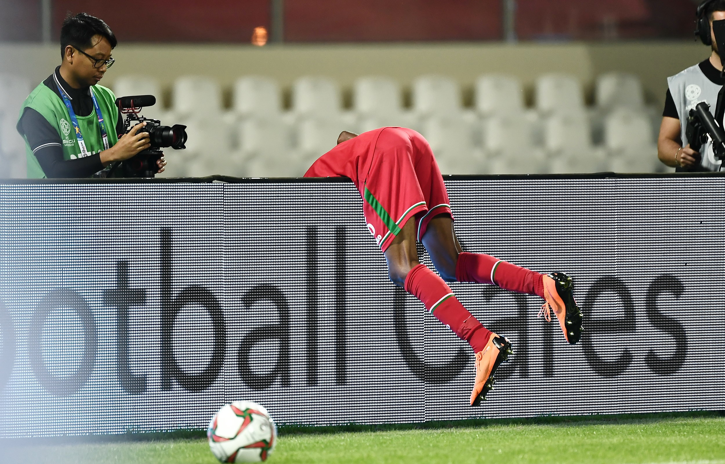 Oman looked for quality against Uzbekistan, but couldn't find any.  Photo: 2019 Asian Football Confederation (AFC)
