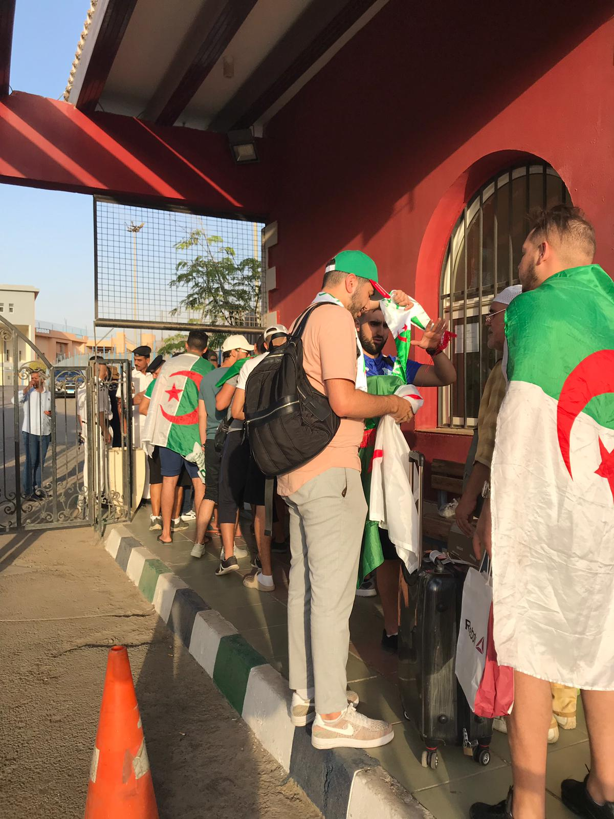 Algerian fans are everywhere in Cairo (Photo: Uri Levy)