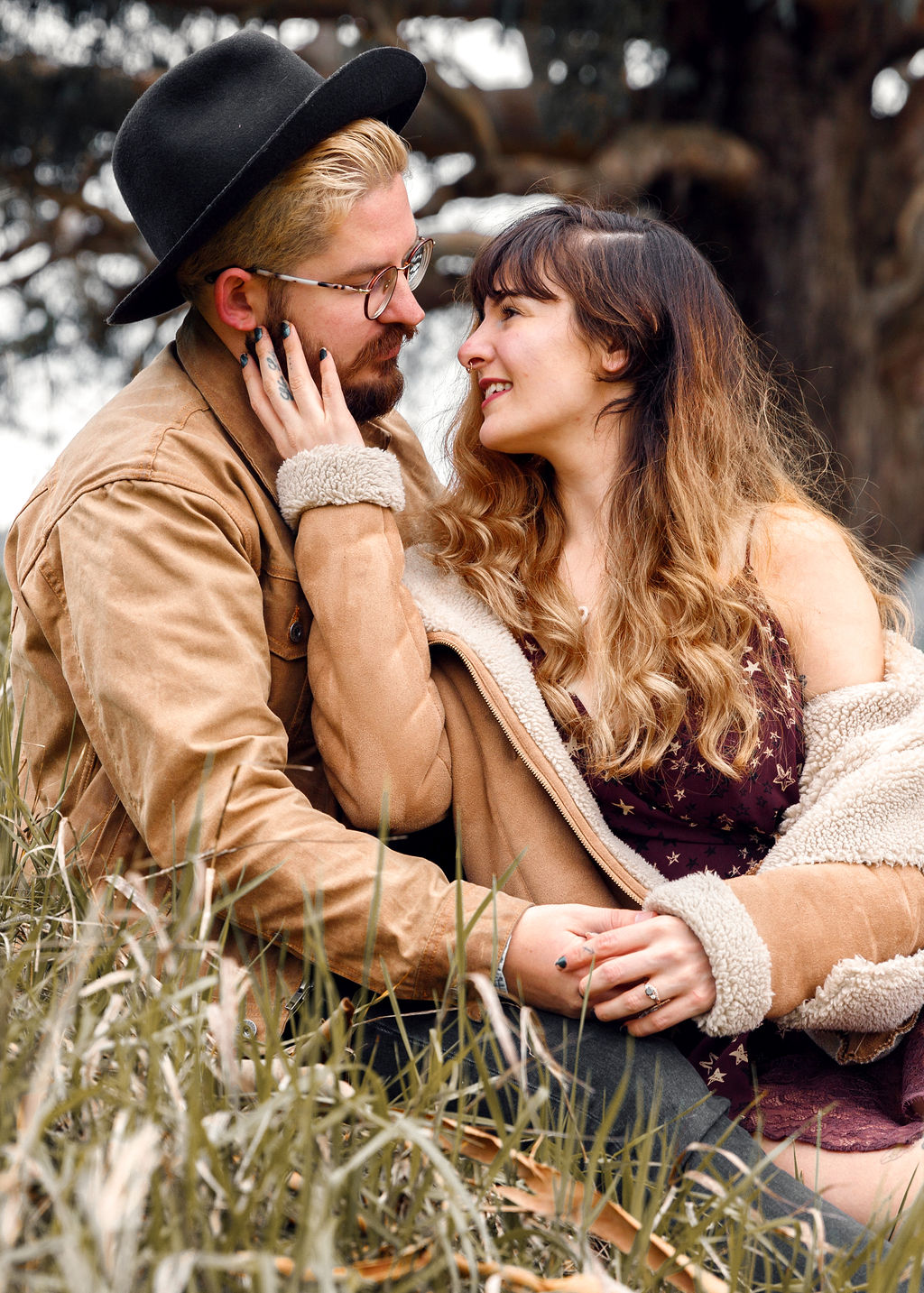 Hipster Couples Photos - Engagement Shoot in Field