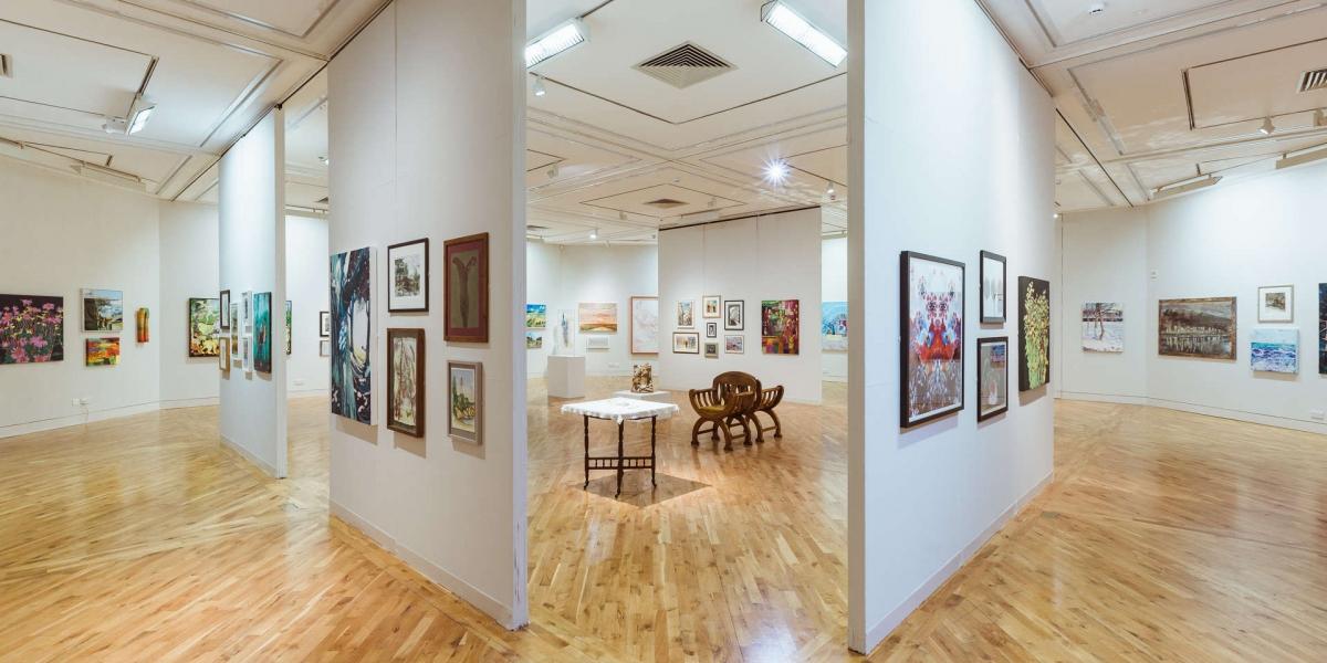Ferens-Art-Gallery-interior_FERENS-INTERIORS-6342_c-Chris-Pepper_1200_600_s_c1.jpg