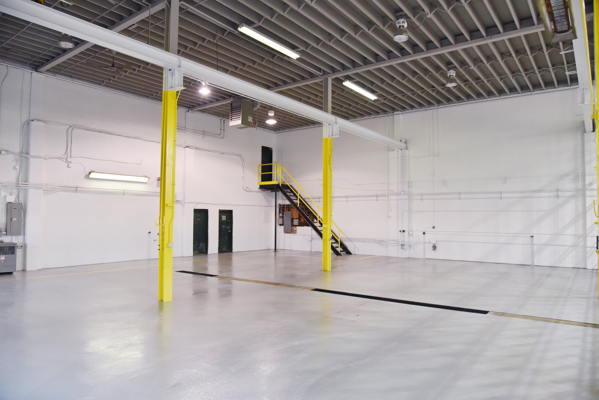 Western One - Floor Epoxy and painting of walls and ceilings