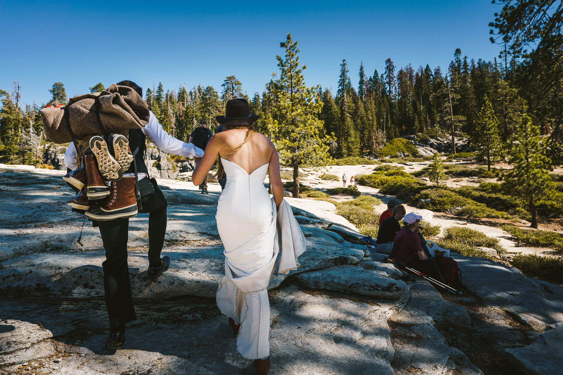 Two15-16-adventure-yosmite-wedding.jpg
