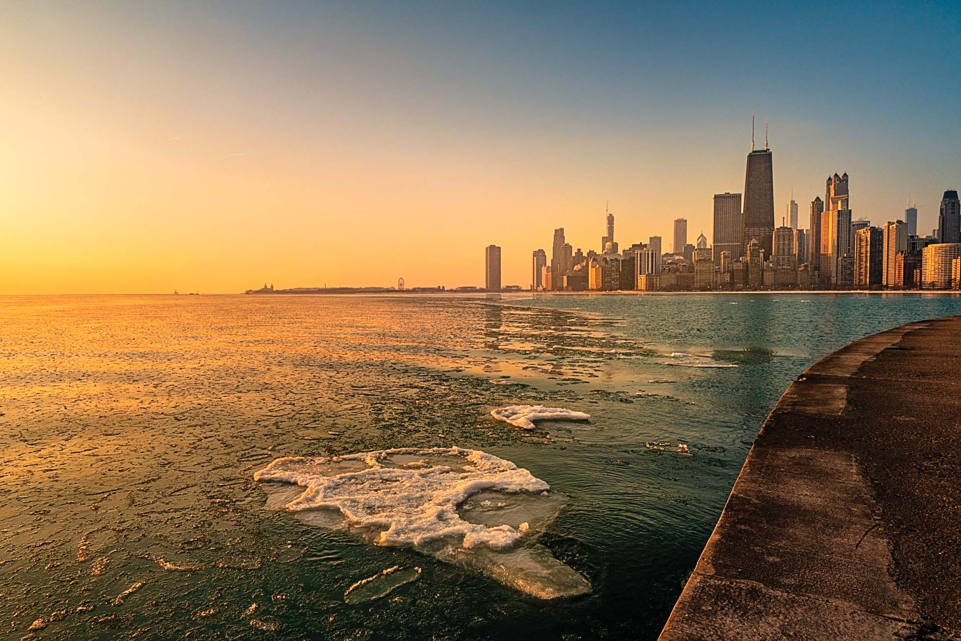 Sunrise on a chilly morning on the Chicago Lakefront
